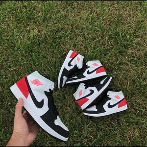 "Air Jordan 1 Mid ""Red Black Toe"" ""Union"""